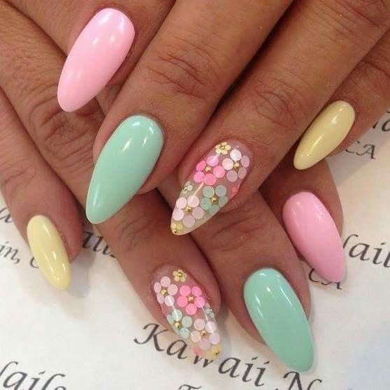 Multicolor nails with flowers design