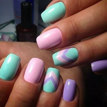 Cute Green and Pink nails design
