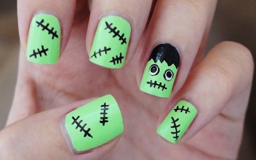Hulk Halloween nails