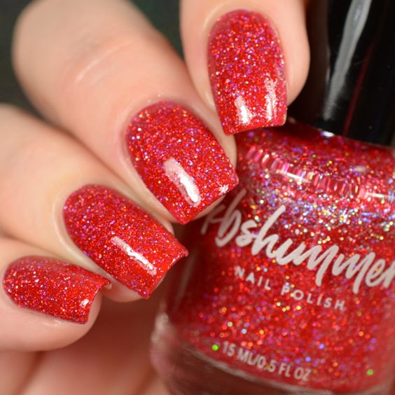 red nails for the holidays seasons