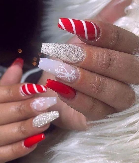 Christmas nails red and white with candy cane design