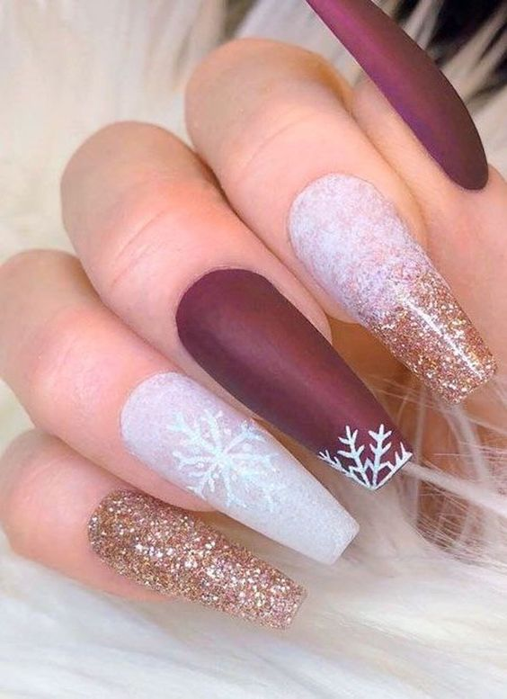 Christmas nails with red, white with glitter snowflakes design