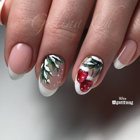 Christmas nails white with Christmas three designs