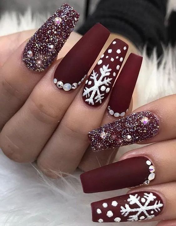 Christmas nails red with snowflakes
