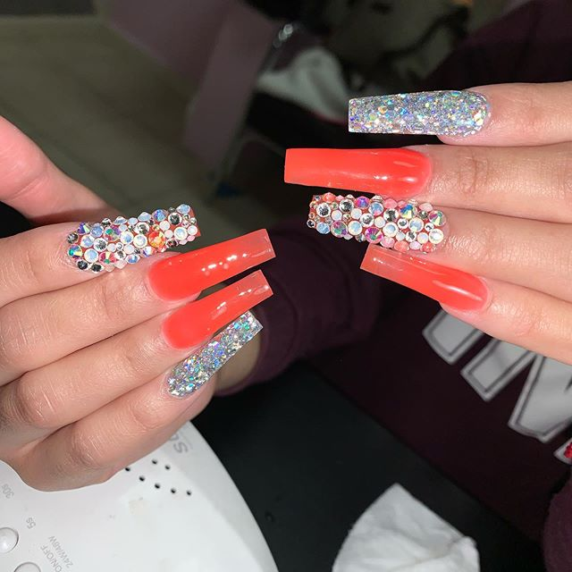 Red Coffin Nails Designs