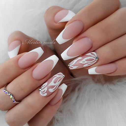 designs on french tip nails
