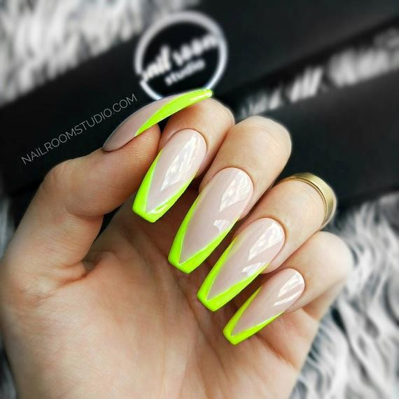Green design for french tip nails