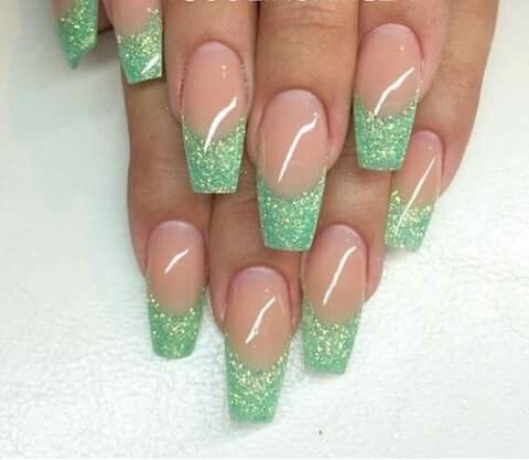 Green with glitter medium nails tips