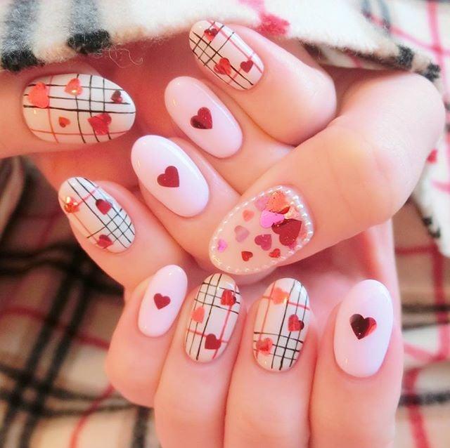 cookie and cream valentine nails design